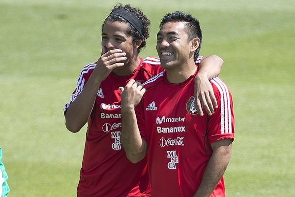 Giovani Dos Santos y Marco Fabian en Calzoncillos