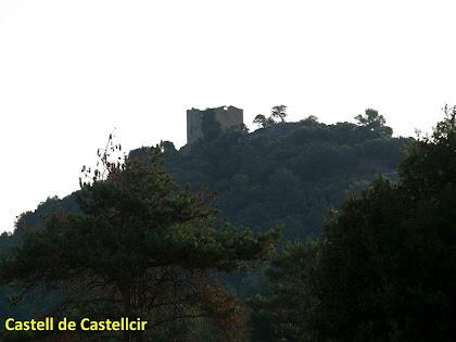 Imatge del Castell de Castellcir des dels Camps de la Poua