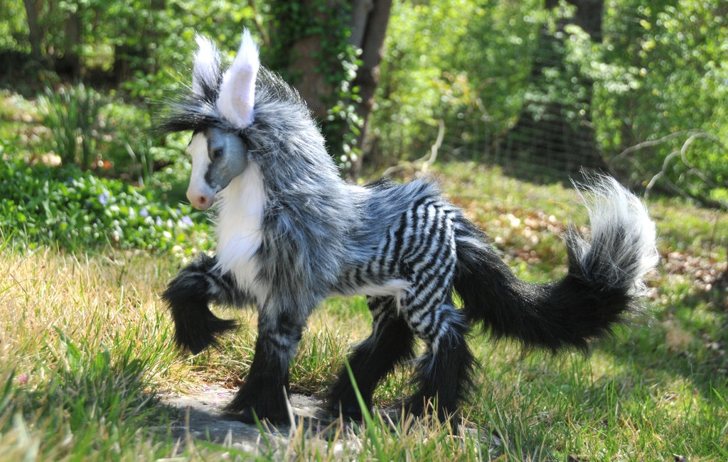 14-Silver-Hoax-Jesse-Franks-Realistic-Faux-Animal-Sculptures-www-designstack-co