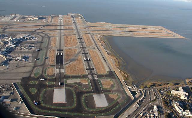 Aéroport de San Francisco vue aérienne