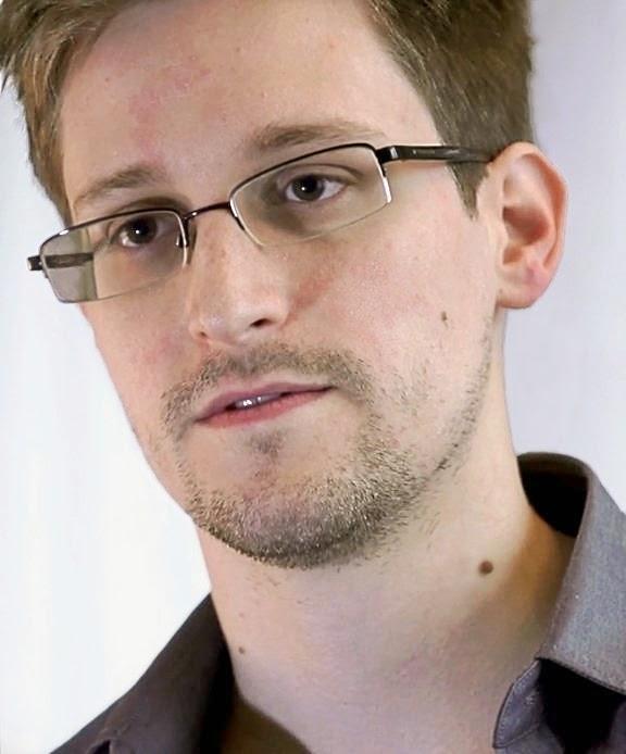 Algunas herramientas para móviles y computadoras dan al usuario la llave de acceso a sus datos, RedPhone y Silent Circle son algunas opciones si quieres asegurar tu privacidad, dice el exanalista. Qué puede hacer un usuario común en medio de filtraciones de miles de imágenes, hackeos y de programas de vigilancia gubernamentales. El exanalista de la Agencia Central de Inteligencia (CIA, por sus siglas en inglés), Edward Snowden, recomienda enviar mensajes codificados y utilizar aplicaciones o servicios que sean competidores de las grandes tecnológicas como Facebook, Twitter, Dropbox o Google. Estas son las características de algunas aplicaciones que recomienda Snowden.