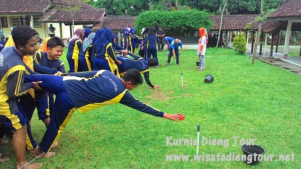 outbound di lapangan