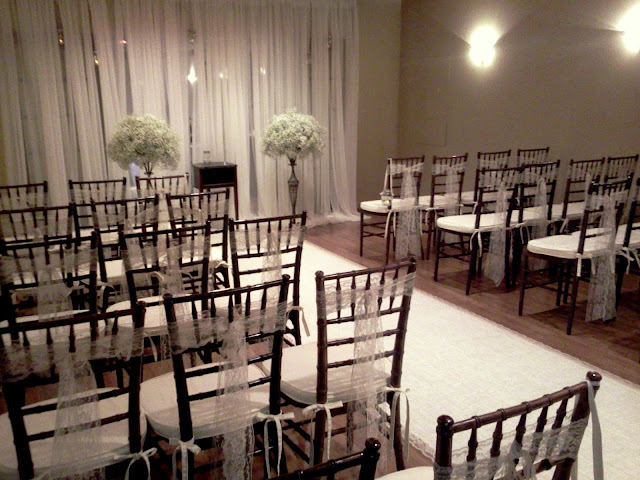 Baby's Breath, lace, runner, Isha Foss Events, floral design, Sweetwater Cuisine