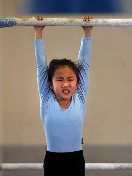 الصين وكيفية صناعة الأبطال الألومبيين China-gymnasium-Olympic-children-13