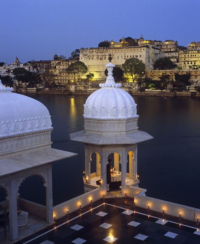 http://www.festivetours.com/travel-packages/golden-triangle-with-marwar-mewar-tour/