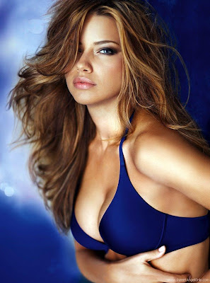 adriana_lima_hot_wallpaper_in_blue