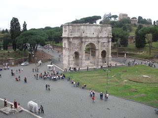 Arco de Constantino, en conmemoración a Constantino I el Grande.