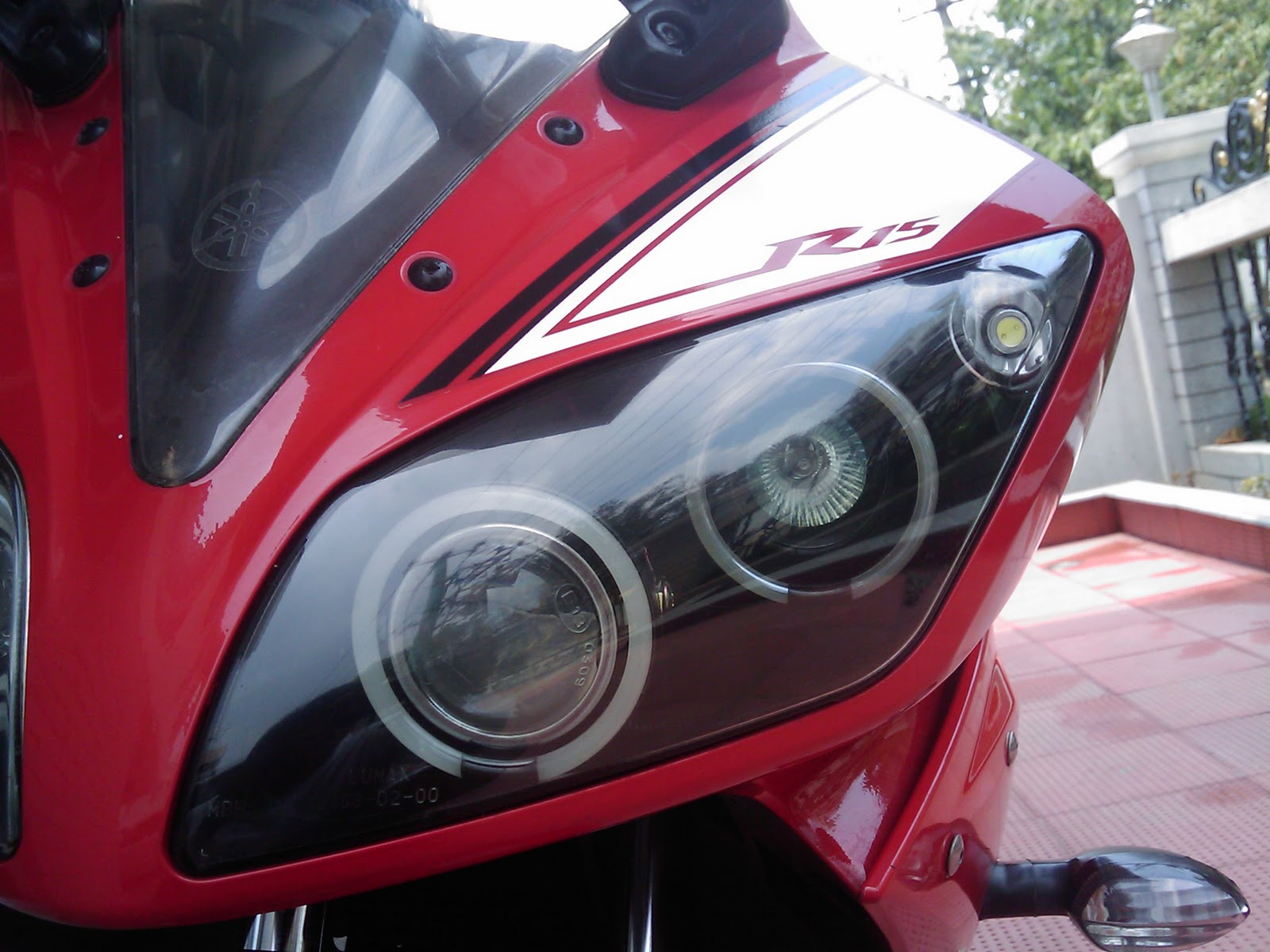 R15 V2 Modified With Projector Lights Wonder Wall: Projector...