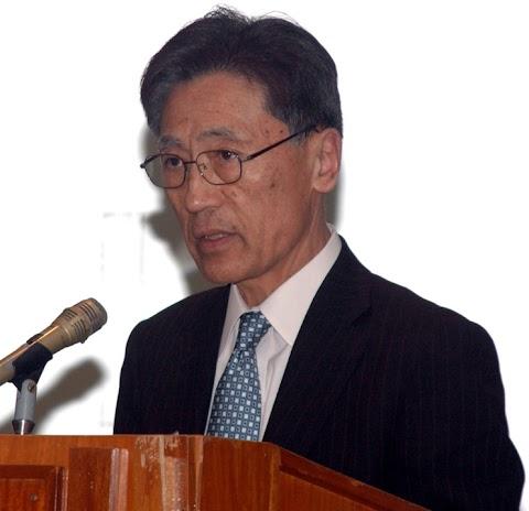 Japanese educator connects local development and graduate teacher education
