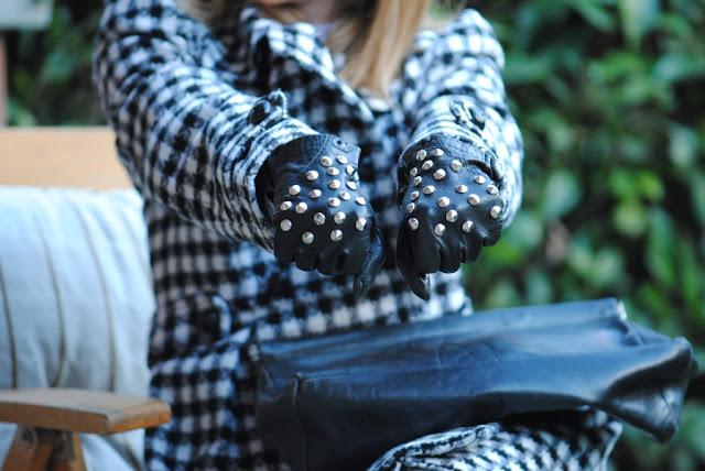 Studded gloves converse all star FashionStuds duemilaedodici borchie borchiate guanti pied de poule veronica ferraro zara