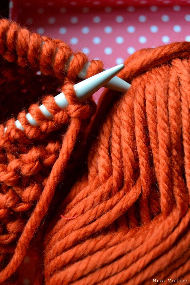 lana, cuello, punto bobo, proyecto a-z, fotografia, macro, agujas