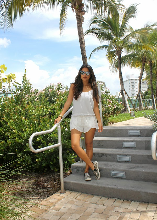 style by lynsee, fashion blogger, miami fashion blogger, asian blogger, health blogger, travel blogger, travel, wanderlust, fitness, stripes, how to wear stripes, how to wear white, snakeskin shoes, snakeskin sneakers, steve madden shoes, italia independent sunglasses, italia independent, scalloped shorts, striped crop top, collared necklace, gold watch, guess watch, teen vogue, seventeen, lucky magazine, popsugar fashion, popsugar blogger