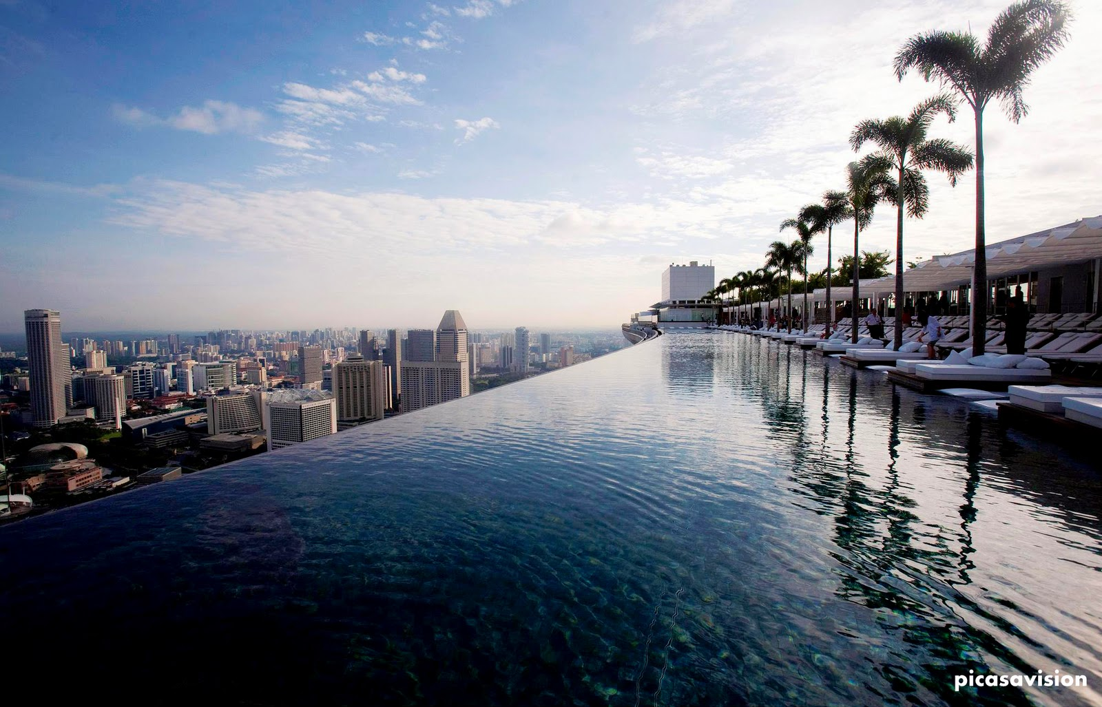 Picasa vision swimming pool on 55th floor marina bay sands hotel singapore - Marina bay sands resort singapore swimming pool ...