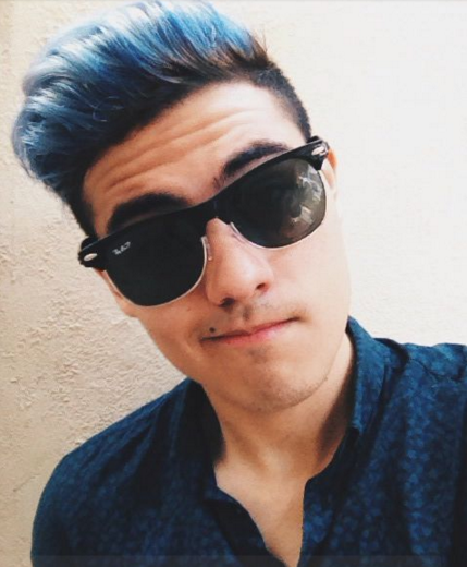 warna rambut pria biru laut yang ngetrend