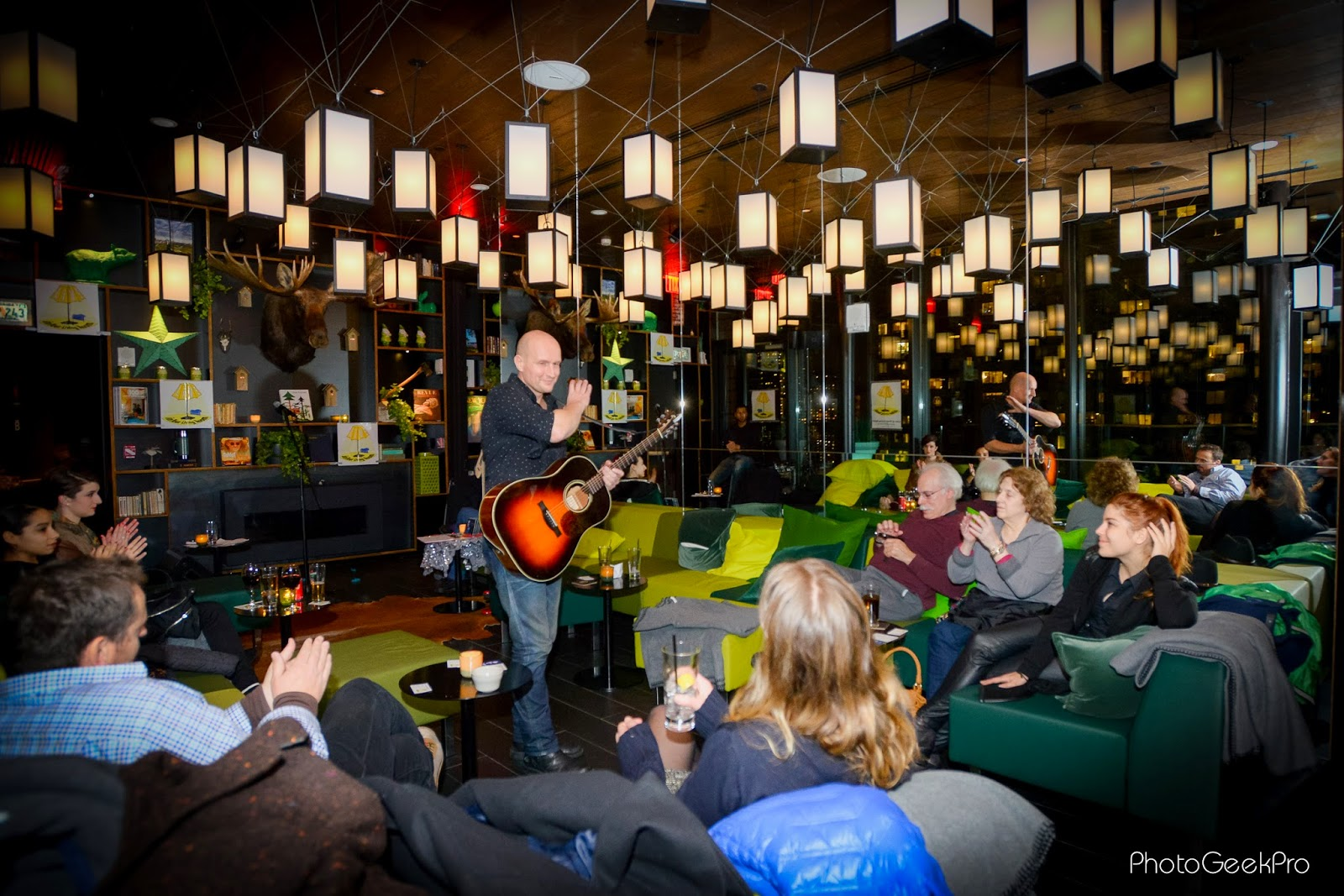 The CitizenM Times Sqaure Cloud Bar Does Have That Living Room Vibe Which Is Very Cozy And Intimate To See A Live Music It Has Long Couch On Both