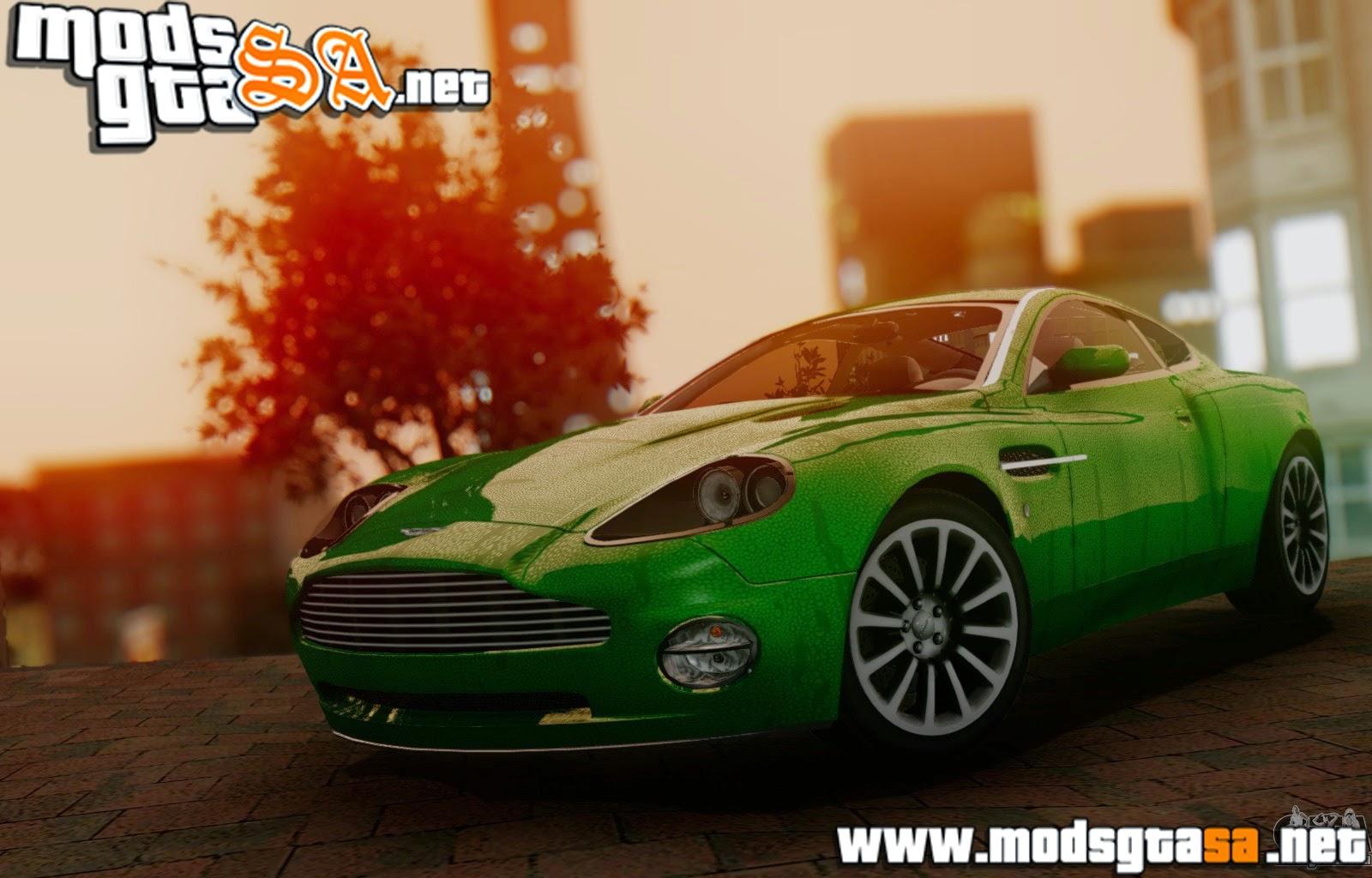 SA - Aston Martin V12 Vanquish 2001