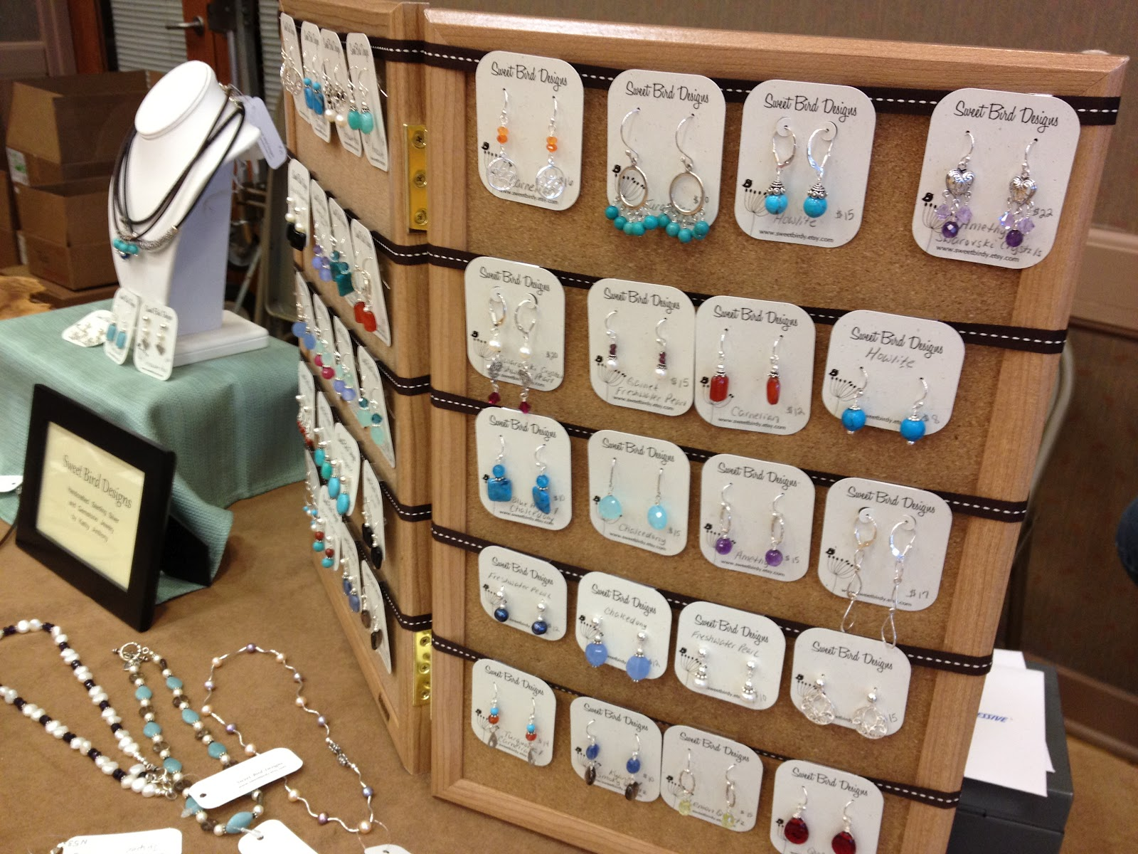 birdy chat craft show jewelry display tips