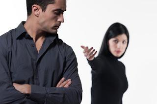 Ciri-Ciri Pria/Wanita Posesif Yang Harus Anda Ketahui