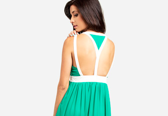 close up of back of green maxi dress from dailylook.com