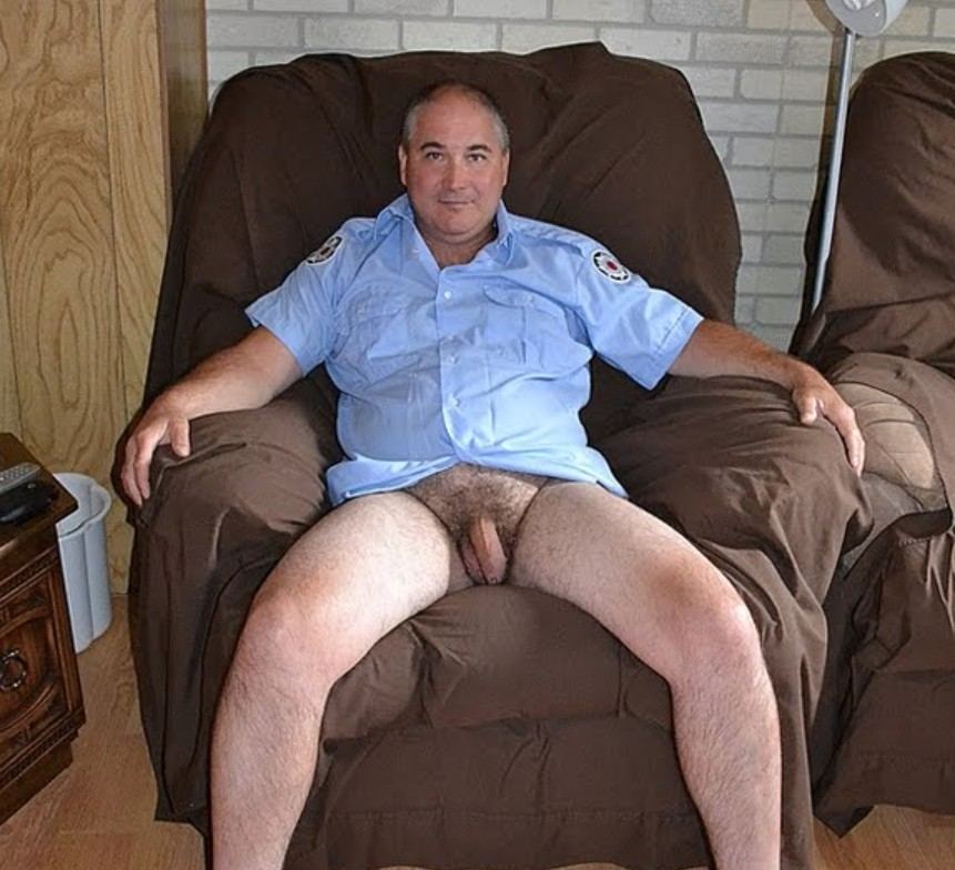 hairy gay males  - big gay males - hairy daddies - handsome daddies