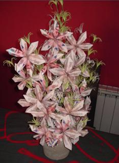 flores con billetes