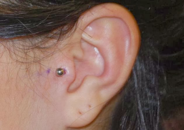 Piercings y Tatuajes: Tipos de piercings en la oreja: photos.te-ai-de.com/photos_piercing tragus_1.html