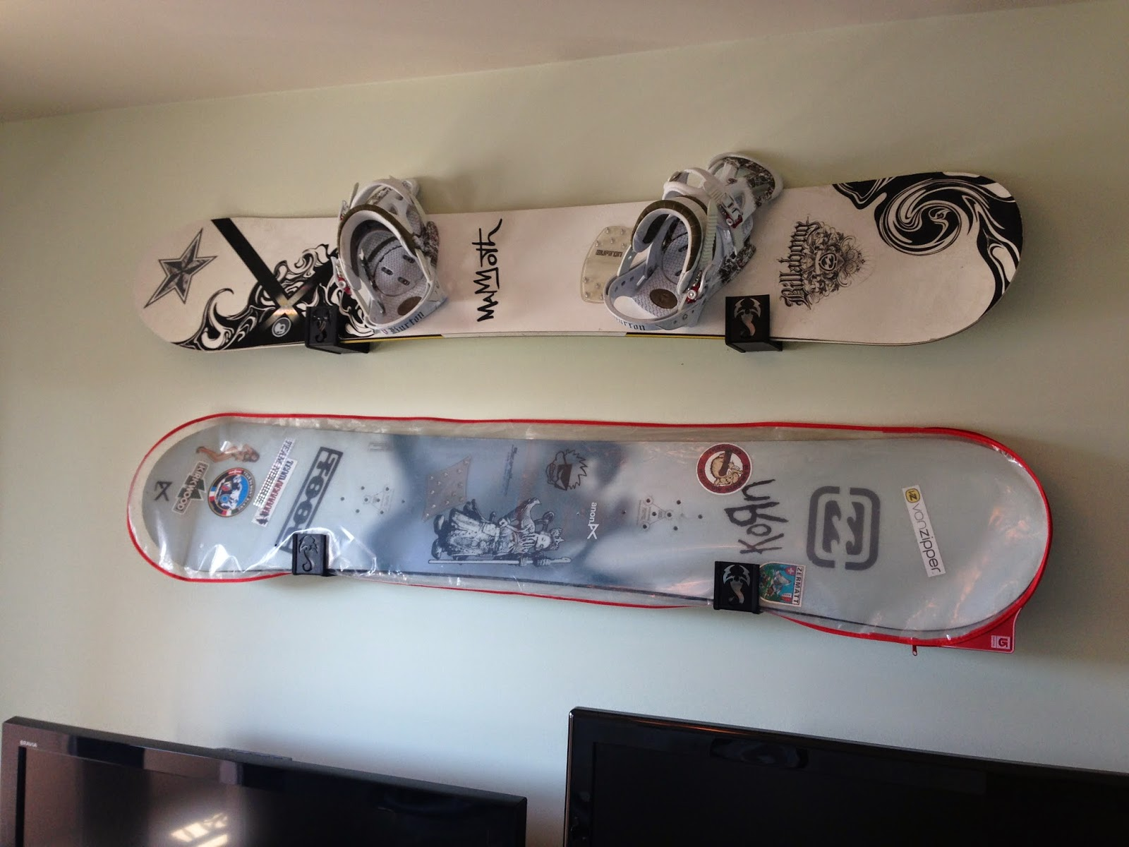 double snowboard wall racks