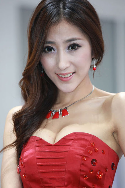 foto model cantik Auto show China 2012-6.jpg