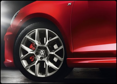 2011-Volkswagen-Golf-GTI-Edition-35-Wheels-View