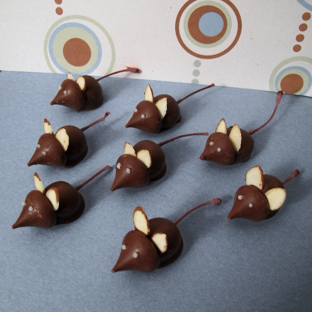 said when mice are around! But, not with these chocolate cherry mice ...