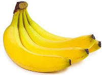 Foto de cacho de banana para fazer vitamina gostosa.