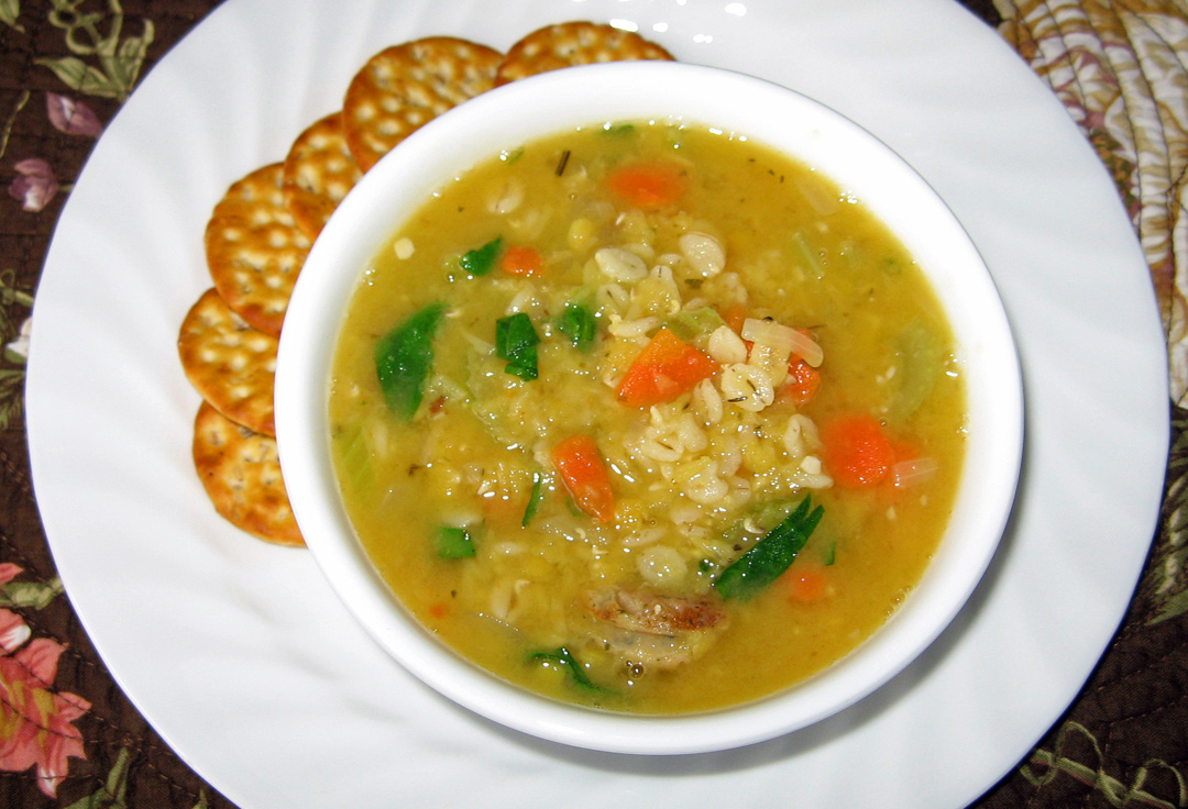 The Iowa Housewife: Family Favorites...Barley and Lentil Soup