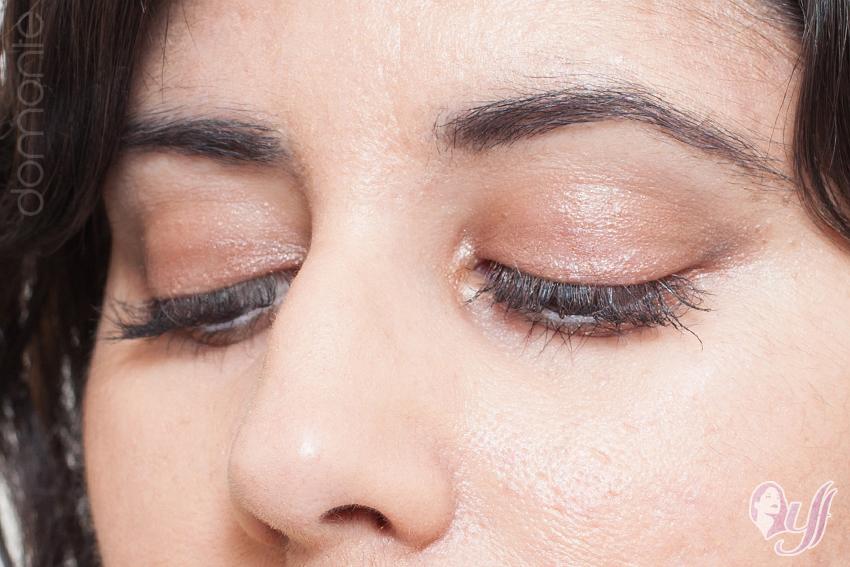 Sombra en crema formato Jumbo Chunky Eyes Aplicación