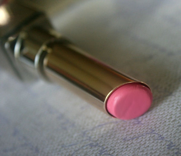 L'oreal Color Caresse Luminous Lipstick in Cotton Pink