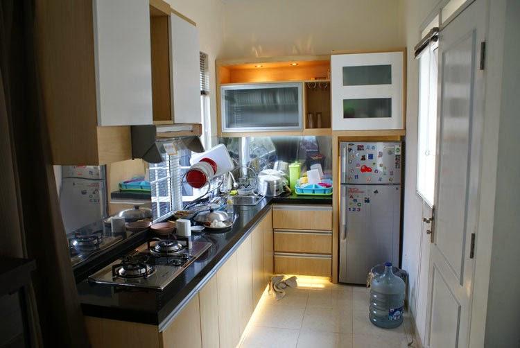 contoh desain dapur kotor minimalis dan bersih