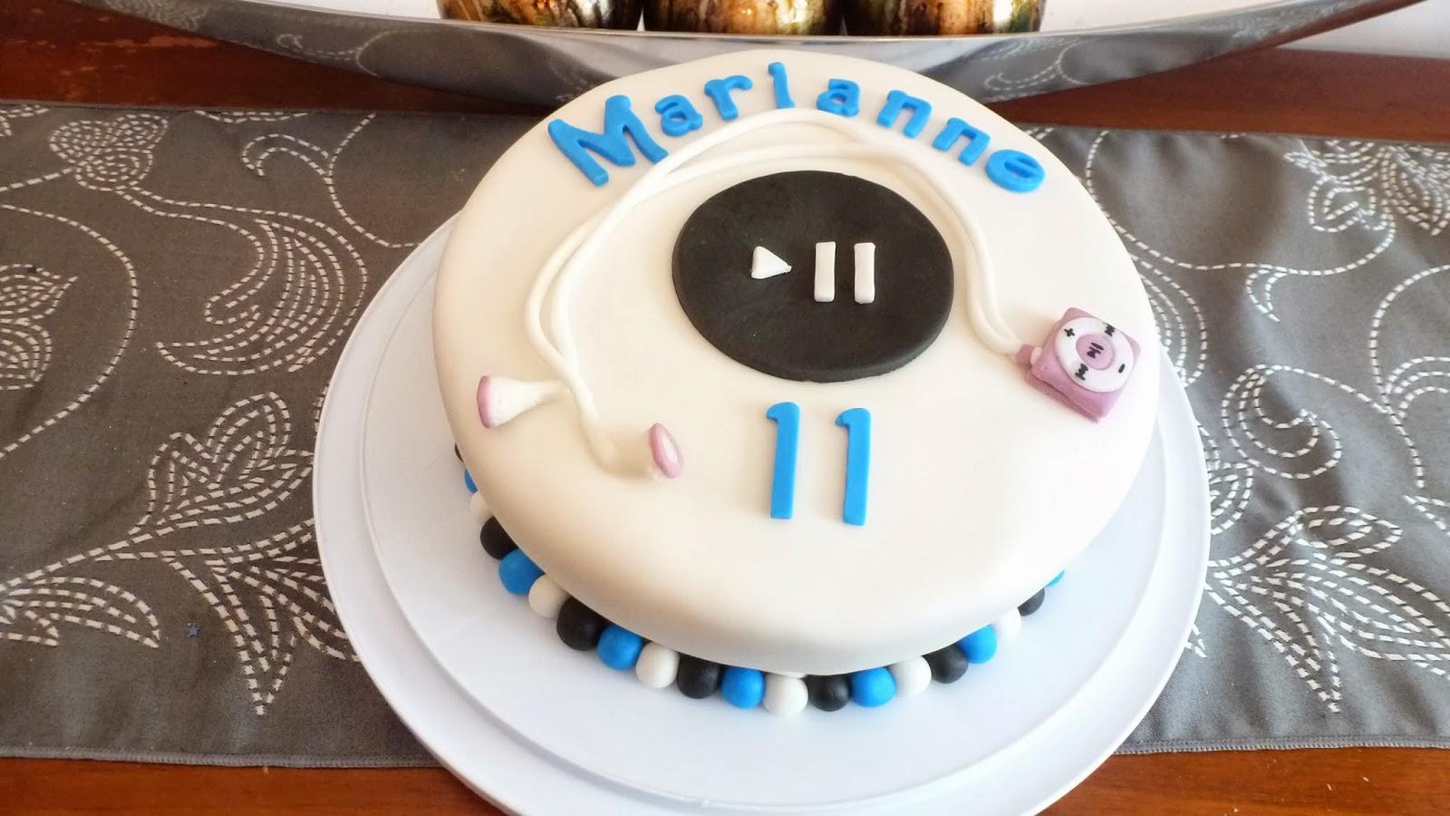 Ipod shuffle Cake (11th birthday)
