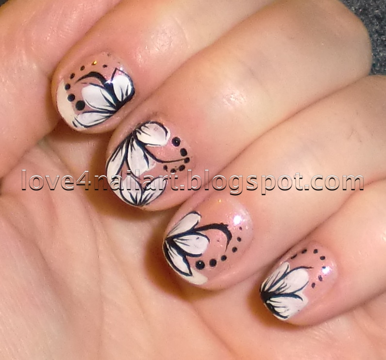 Old fashioned flowers design for nails picture collection nail art love4nailart whiteblack flower nail design mightylinksfo