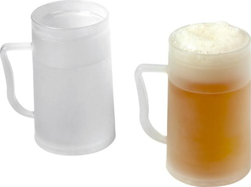 En la imagen, el modelo más básico de jarra de polypropileno para meter en el congelador. El líquido del interior se congela, manteniendo fría la bebida mucho tiempo.