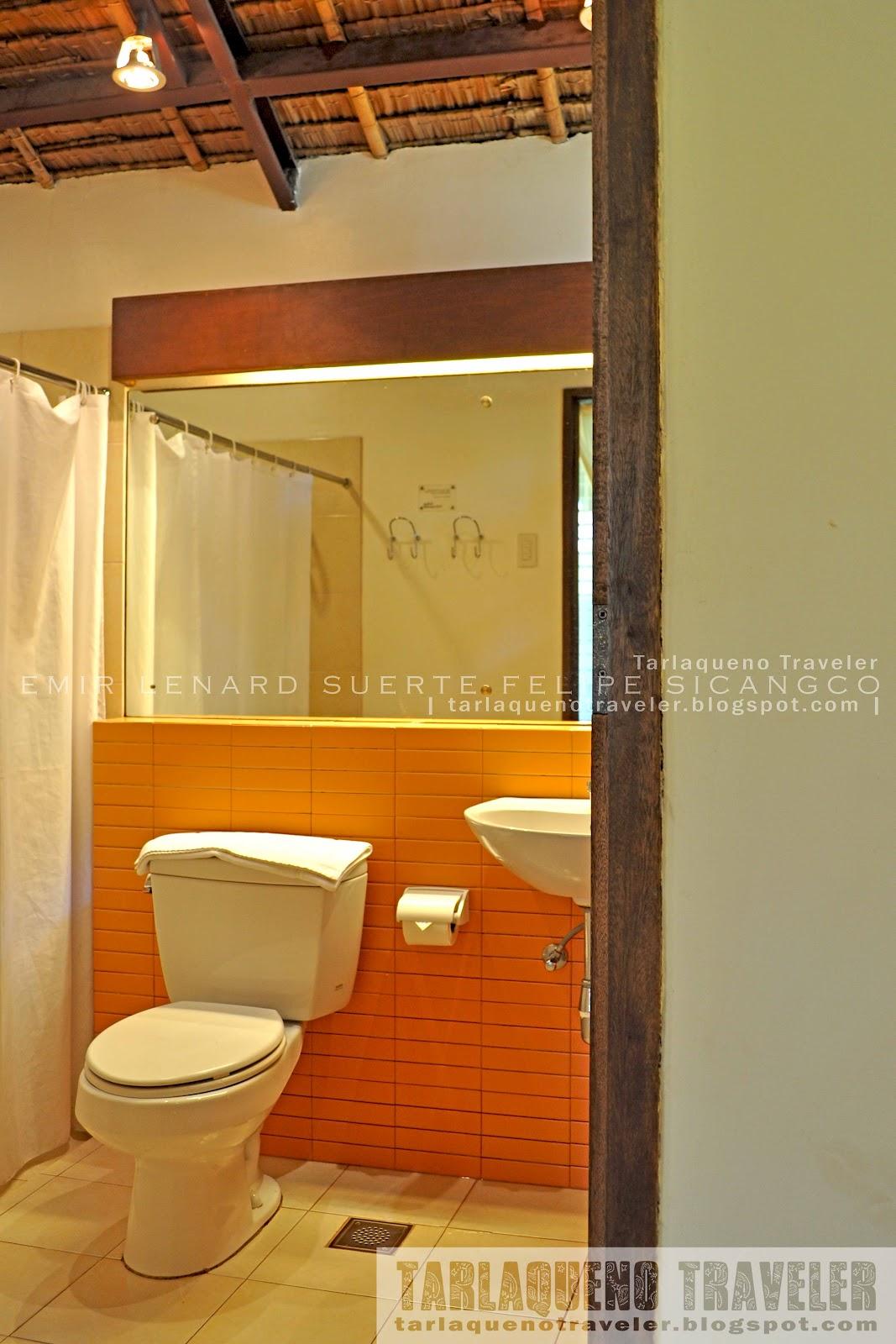 Bahay Bakasyunan sa Camiguin Bathroom