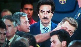 Mourinho's finger in the eye of Tito Vilanova