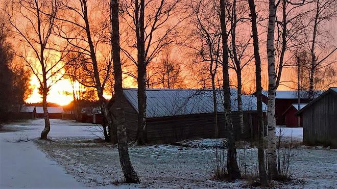 Fagerö båthus i soluppgång
