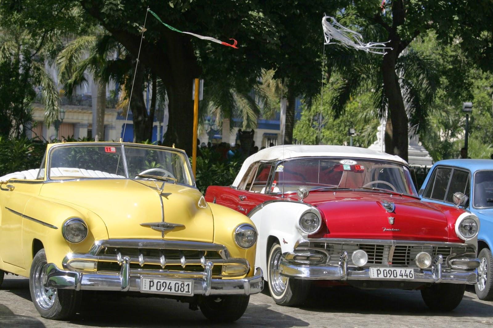 Hablemos press cuba autos cl sicos antiguos o for Modelos de sofas clasicos