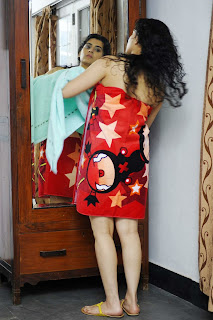 WWW.BOLLYM.BLOGSPOT.COM Actress Archana (Veda) Spicy Pictures in  Towel Picture Posters Stills Image Gallery 0007.jpg