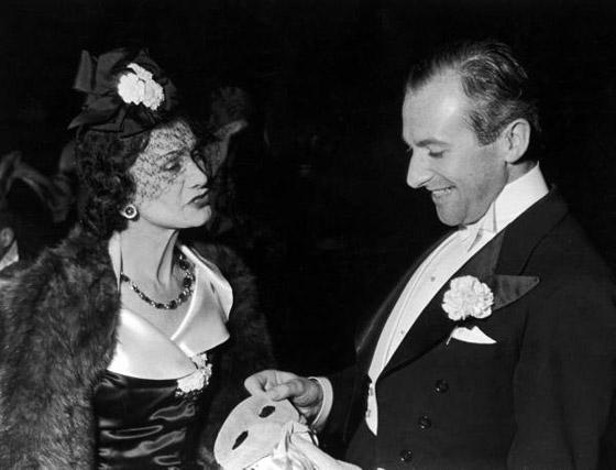 Gabrielle Coco Chanel con Cecil Beaton - Tutt'Art@