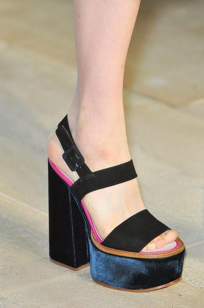Victoria Beckham-elblogdepatricia-shoes-trendalert-uglyshoes-calzado-calzature-scarpe