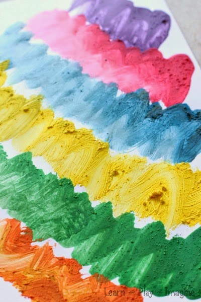 Create art with crushed chalk - simple paint recipe