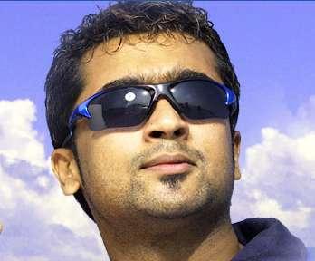 Surya in 'Jillunu oru Kathal' Movie 2