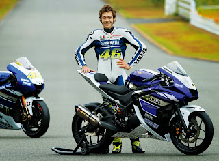 Rossi With Yamaha R25