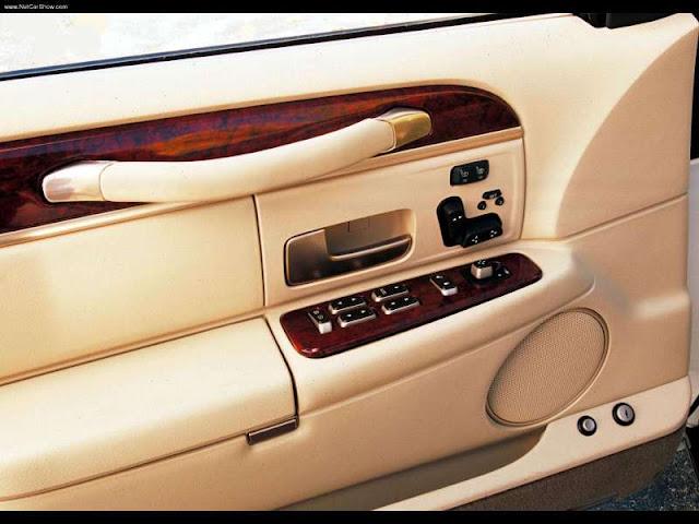 Lincoln Town Car (2003)