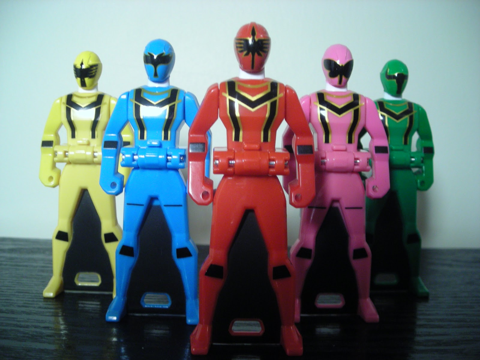 NEW Ranger Key Series Kaizoku Sentai Gokaiger Ranger key Set Dekaranger Bandai